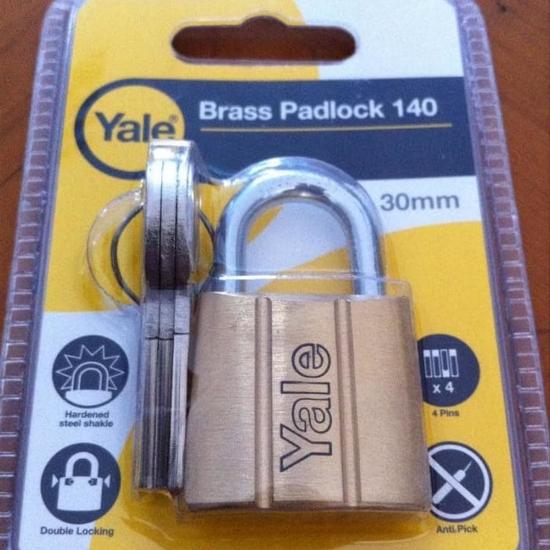 Picture of Yale V14030, Brass Padlock 30mm, V14030
